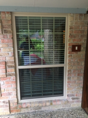 AWP Windows replaced the side window on this Texas City home with precision and care.